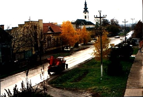 Kerestur, main street